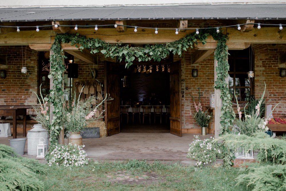 rustykalny ślub w Osadzie Młyńskiej