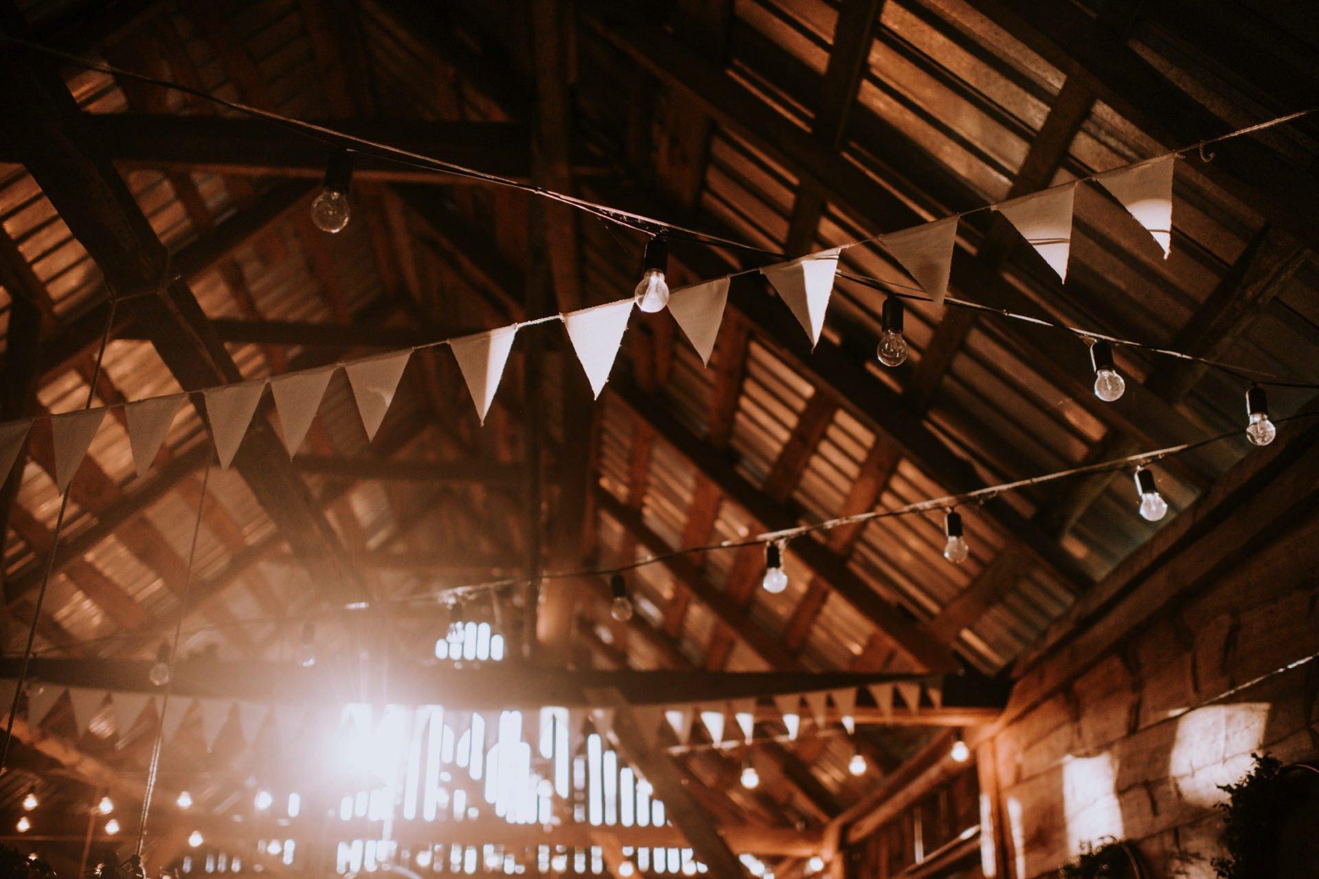światło w stodole w Folwarku Ruchenka