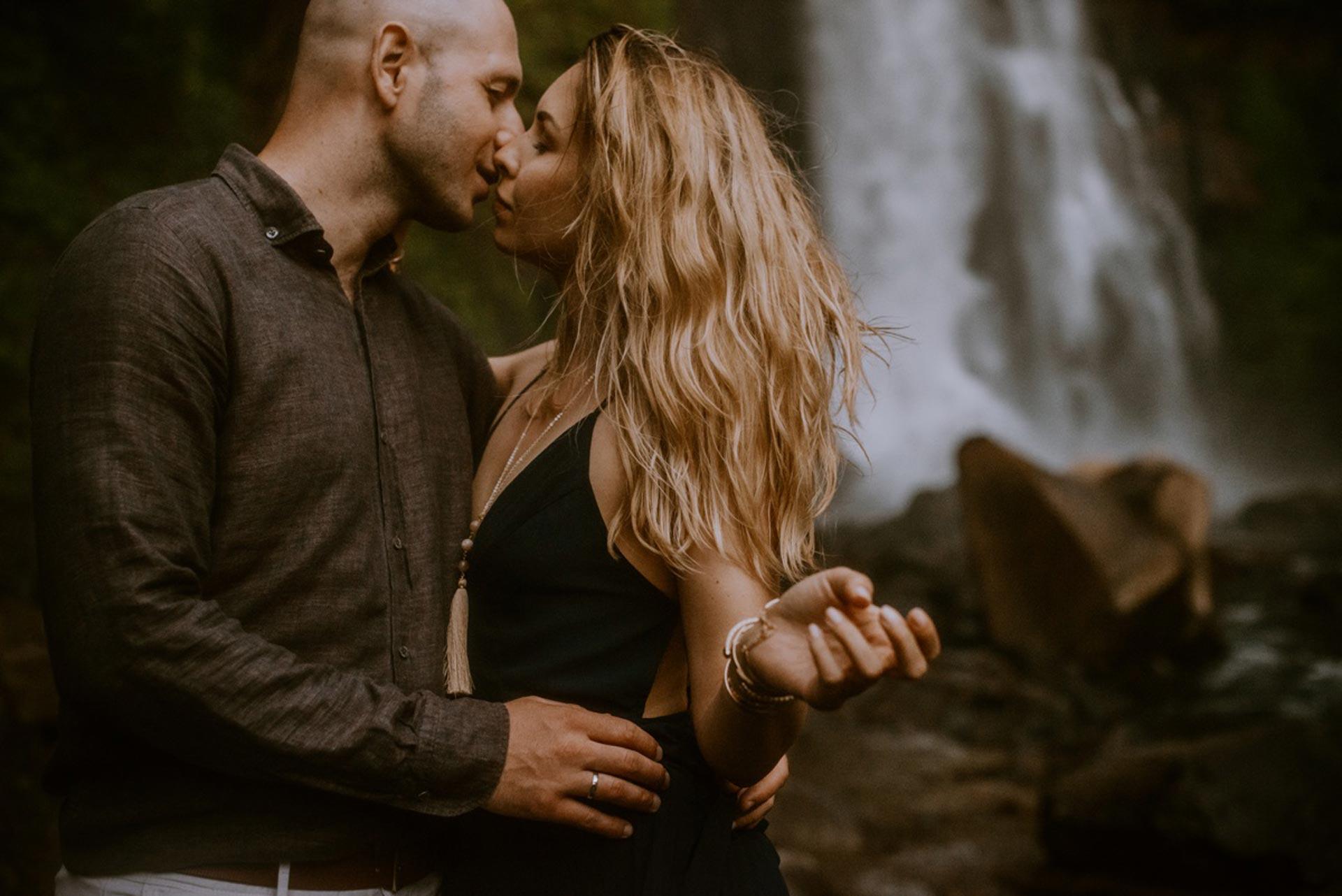 Bali preweding photoshoot couple Indonesia wedding photographer sesja zagraniczna fotograf ślubny Wrocław