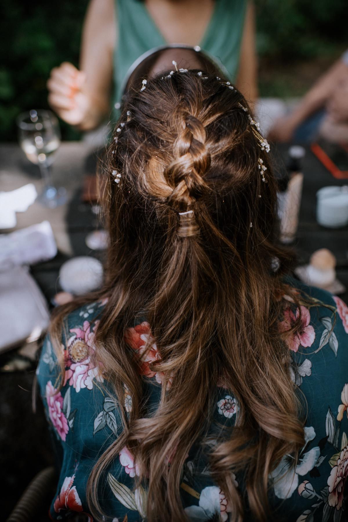przygotowania panny młodej, boho panna młoda, fryzura ślubna