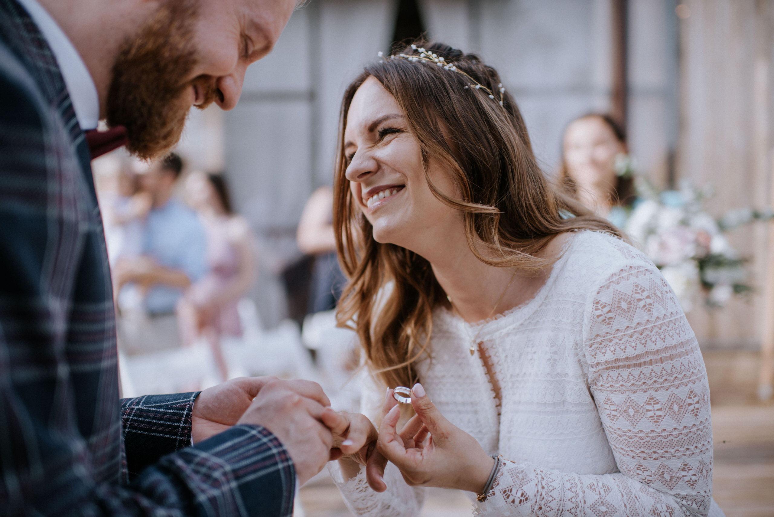 wesele w srodole, ślub cywilny w plenerze