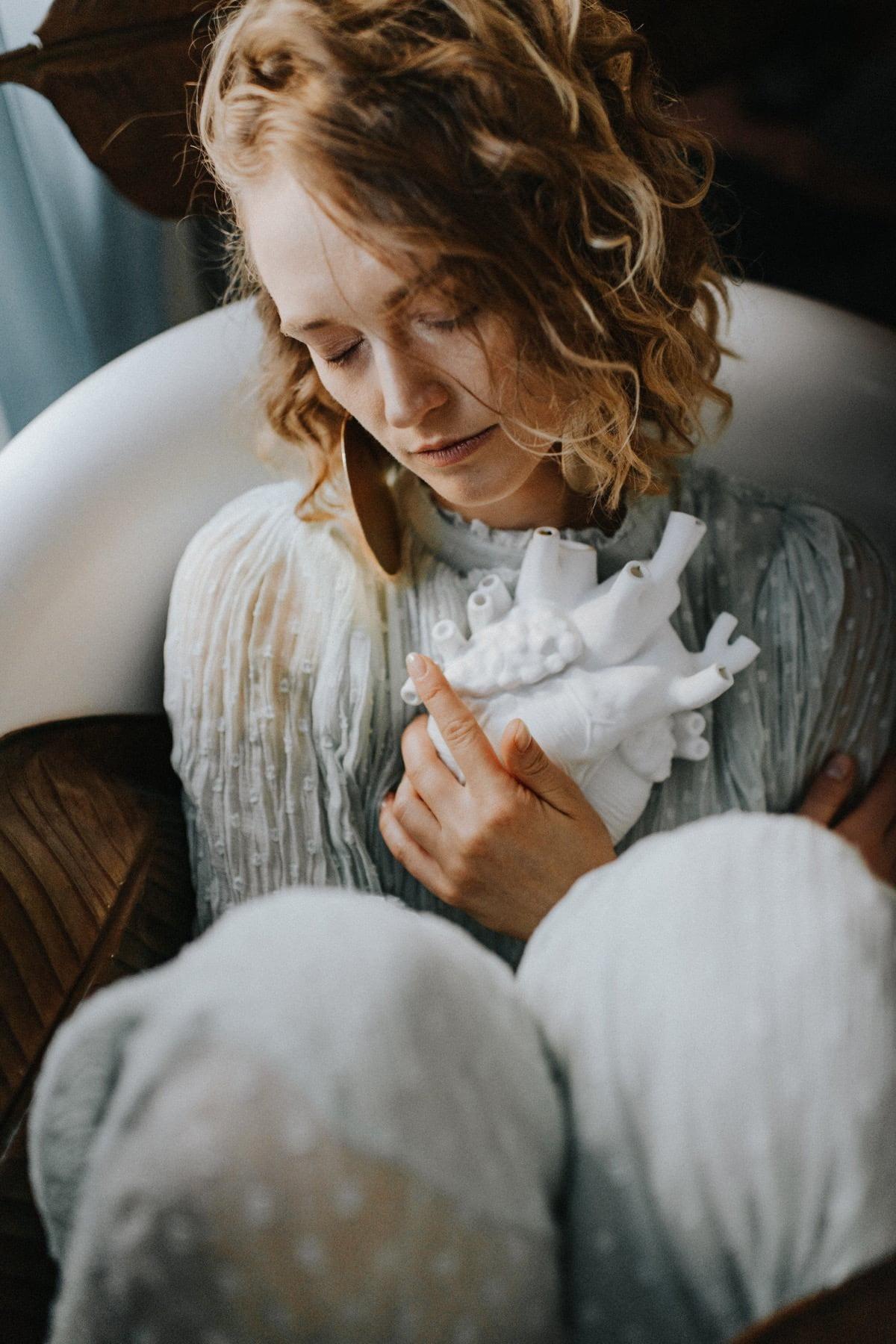 portret kobiety w wannie
