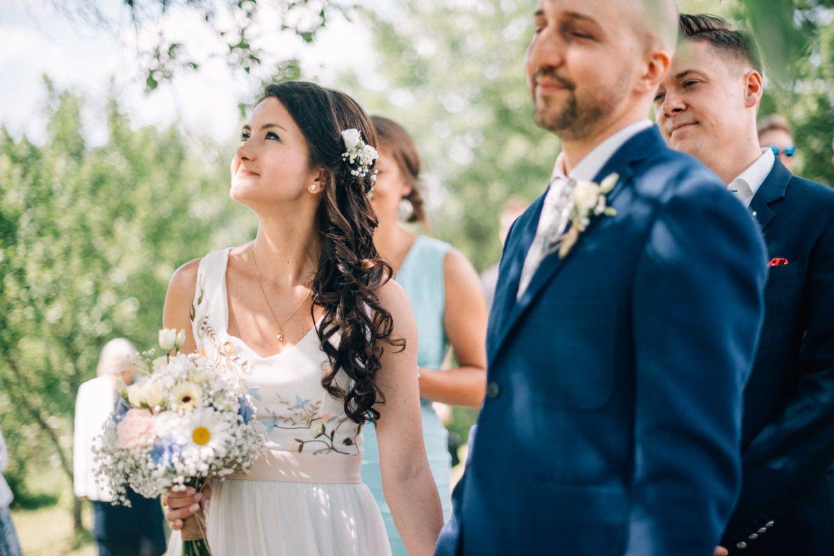 plenerowy ślub na własnej działce