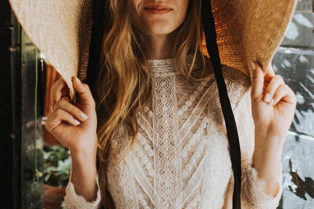 portret panny młodej, kapelusz zamiast welonu, ślub we Włoszech