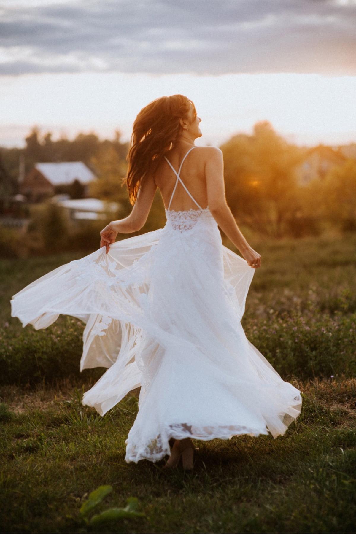 panna młoda, suknia ślubna pronovias