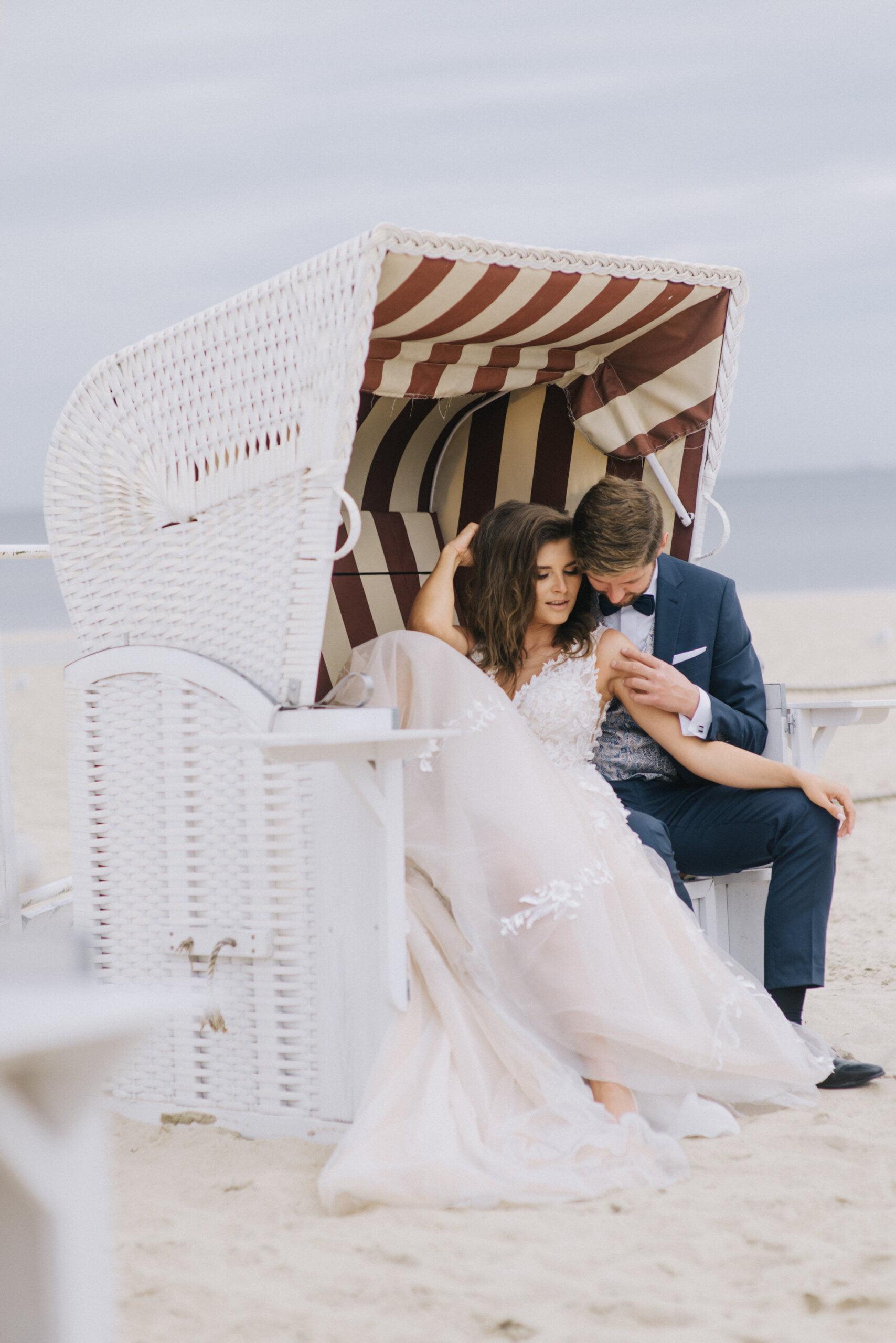 romantyczna sesja ślubna na plaży w Sopocie
